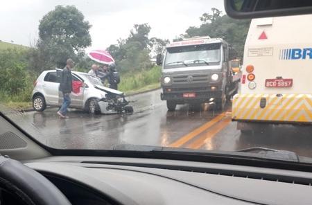 Locutora sofre acidente na BR 040
